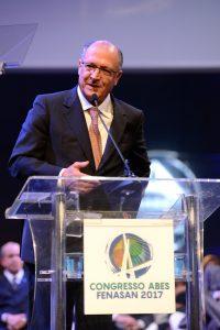 Química e Derivados, Alckimin sugeriu reduzir peso dos tributos sobre operadoras