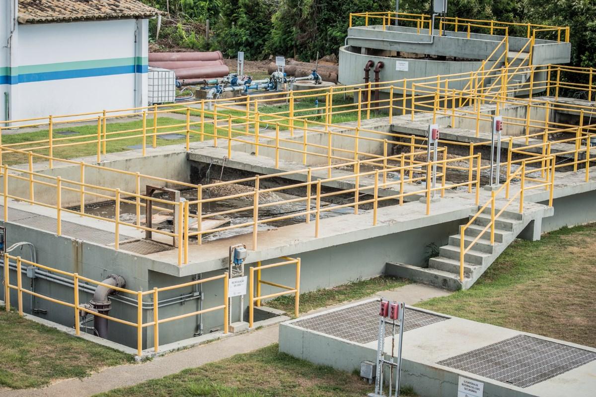 Química e Derivados, Operada pela Aegea, a ETE de Búzios aplica UV para a desinfecção